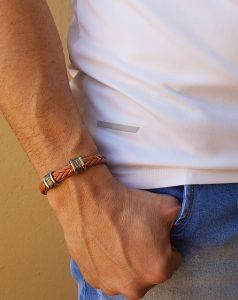 Choisir un bracelet en cuir artisanal pour vous démarquer