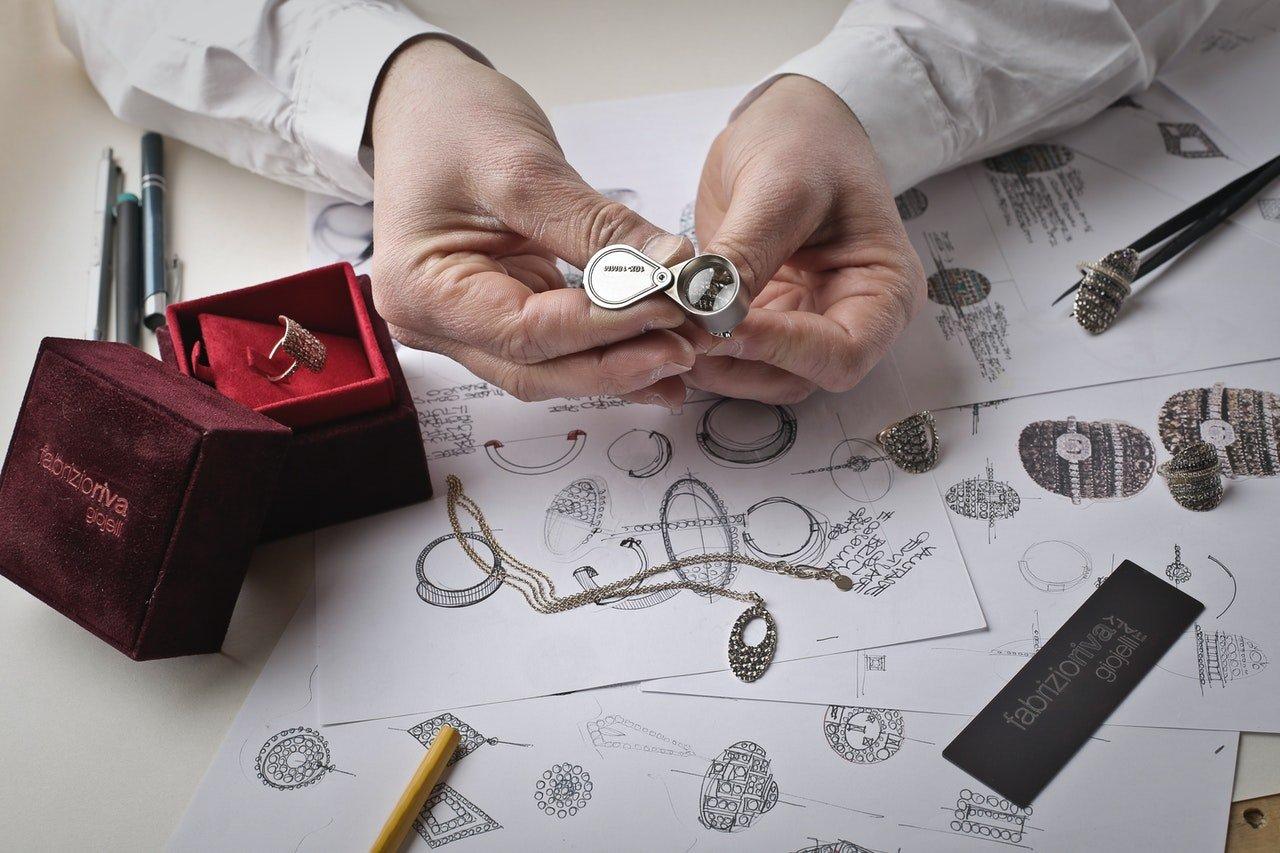 Les bijoux lune à offfrir à sa femme